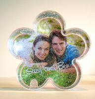 Flower photo globe with silver glitter