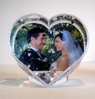 Heart photo globe with silver glitter and hearts