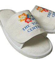 Unisex travel slippers with open toe and Velcro fastening