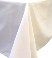 White 'cotton feel' polyester tablecloth 150 x 150 cm